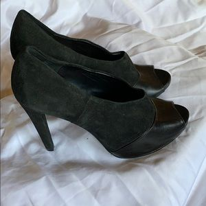 Audrey Brook Peep Toe Leather/Suede Pumps 8M